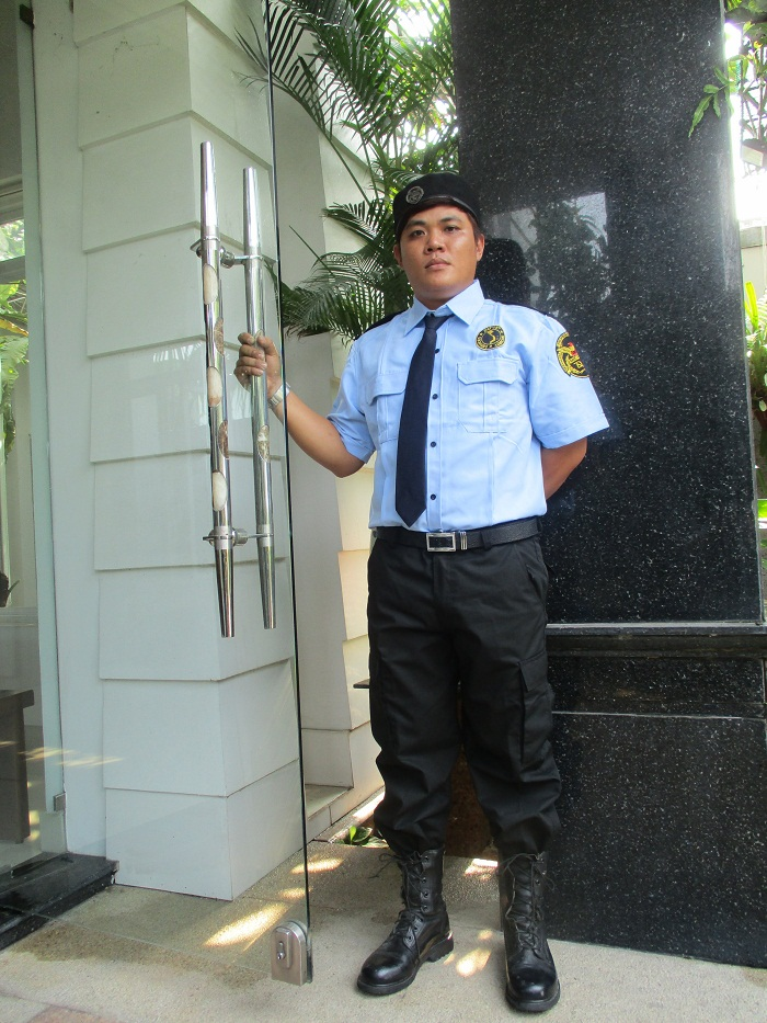 tuyển bảo vệ văn phòng công ty